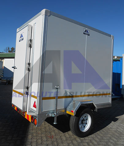 This unit is ideal for food and beverage transportation to your next event. With adjustable temperature settings on the cooling unit, this unit can be used as fridge or freezer
